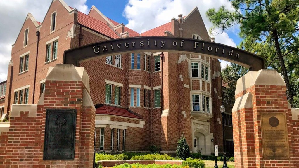 University of Florida students urged not to travel to